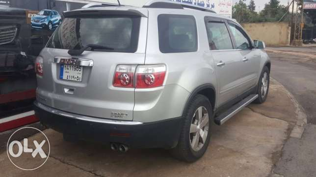 a very clean GMC Acadia معروف سعد -  3