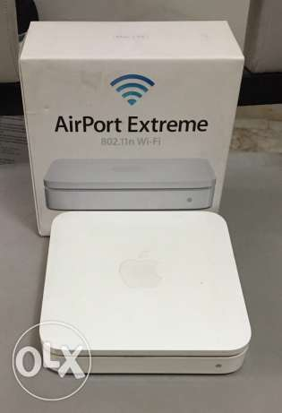 Apple AirPort Extreme (3rd generation) with box