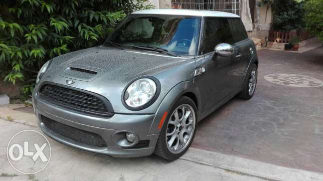 Mini Cooper 2009 S Gray/Red Clean Car Navigation system