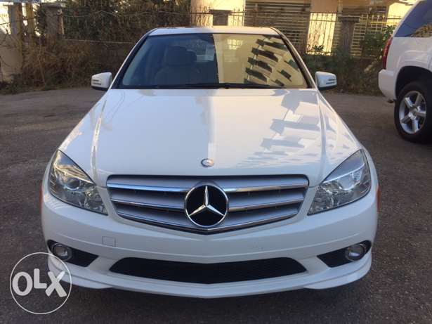 .Mercedes-Benz C300 Luxury 2010