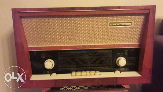 German radio like new.