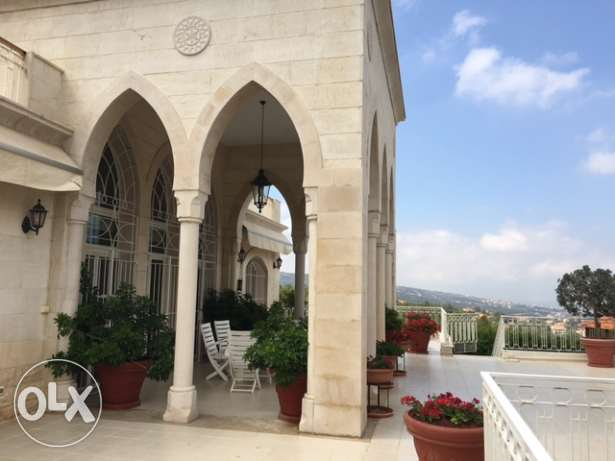 traditional Lebanese style Villa in Mechref for Sale