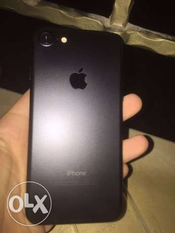 iPhone 7 128 gb+ Apple Watch used only 2 month غدير -  7