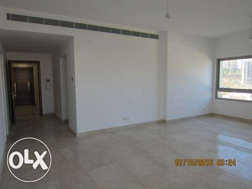 Unfurnished new Apartment For Rent Achrafieh 20th floor أشرفية -  3