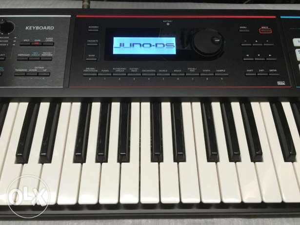 Roland JUNO DS61 DS-61 Synthesizer Workstation Keyboard