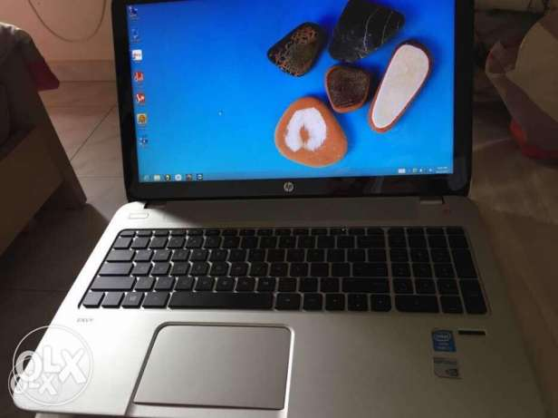 Hp laptop( trade with an iphone7 or samsung s8 )