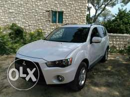 Mitsubishi outlander 2010 full option clean carfax