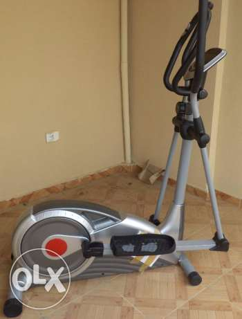 Elliptical Trainer, as new, only 219 km on the clock.
