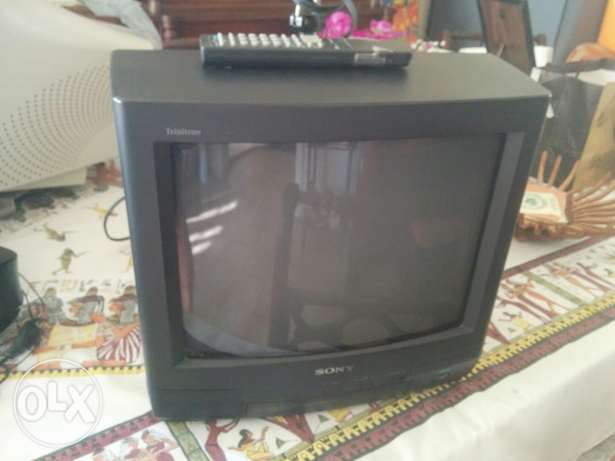"17"" screen TV (good condition) Hamra -  2"