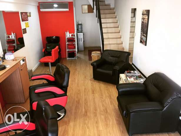 salon for men with full decorations and customers for rent