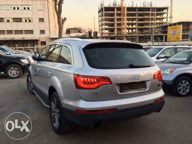 Audi Q7 2008 Silver Premium Package with Facelift Like New! بوشرية -  6