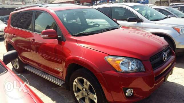 Toyota RAV 4, model 2010, 40000 Miles ONLY!!