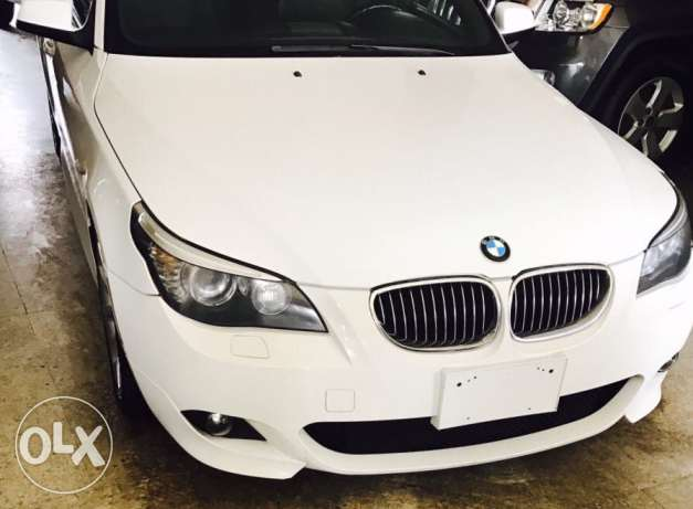 BMW 528i 2010 look M5
