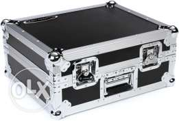 Korg Aluminum Flight Cases.Case makes transporting your gear a snap!