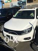 VW Tiguan 2012 white