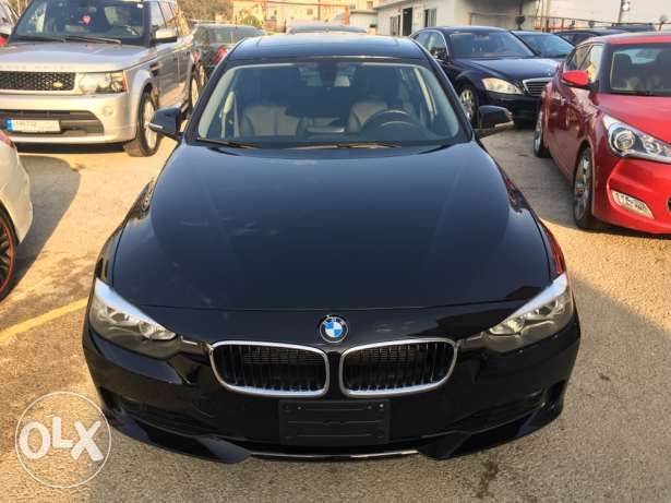 bmw black 328i mod 2012 newww condtion 40 alf mile only
