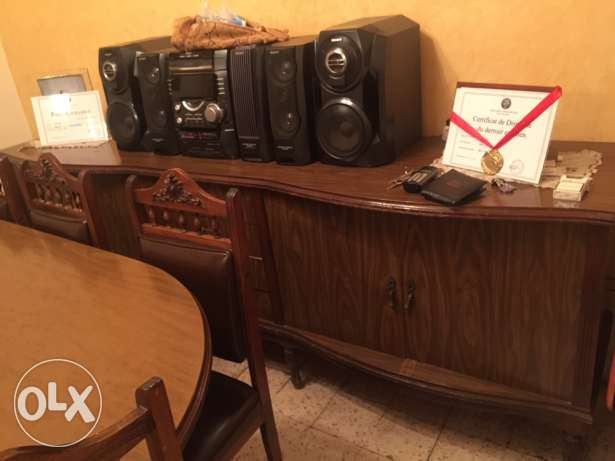 dinning table + 8 chairs + console