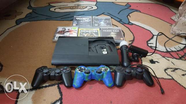 Ps3 for sale ndife with 5 cd and 3 controle and camera مستعمل اسبوعين