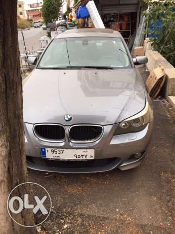 Bmw 520i model 2004 look M5 big screen and leather seats انطلياس -  1
