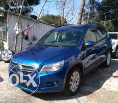 volkswagen tiguan 2'0T full option clean carfax