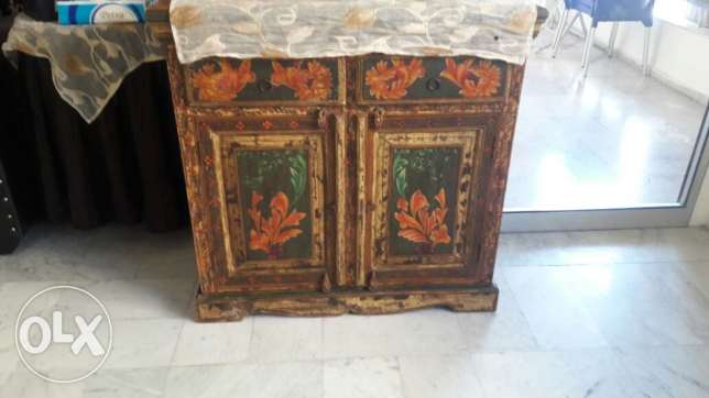 Very old vintage cabinet مصيطبة -  1