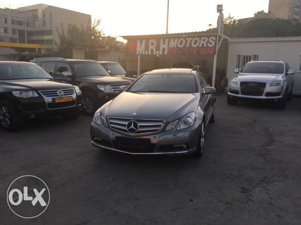 Mercedes E250 Gray 2010 Top of the Line in Excellent Condition! بوشرية -  3