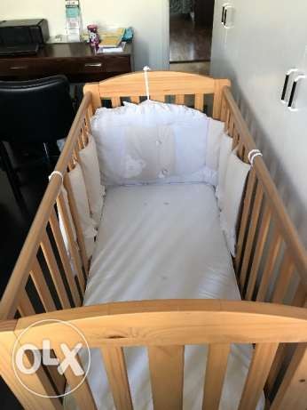 Baby Crib with mattress for sale - good condition