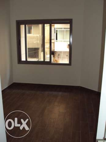 112sqm Apartment for sale in Zarif البطركية -  4