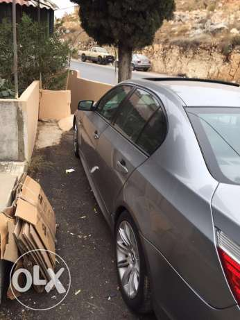 Bmw 520i model 2004 look M5 big screen and leather seats انطلياس -  2