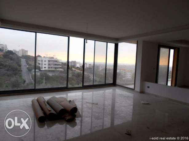 320 m2 apartment having 150 m2 terrace, 60 m2 free garden (Baabda)