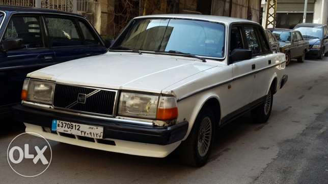 For sale: volvo 240 GL