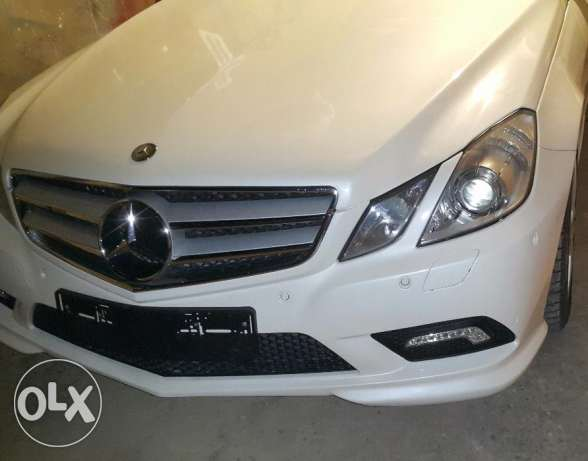 Mercedes e 350 coupe 2010 ajnabiyi amg line color pearl white loulou أشرفية -  1