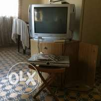 Tv & Dvd in good condition 100.000 L.L