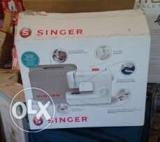 Original Singer sewing machine (NEW)