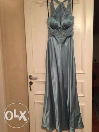 satin night gown very elegant, size 4,from USA
