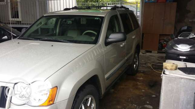 Grand cherokee laredo full option انطلياس -  1