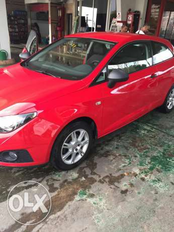 Seat ibiza red color coupe