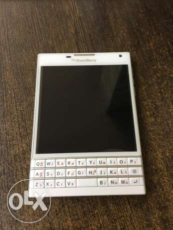 blackberry passport white