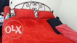 Bed king size without matress