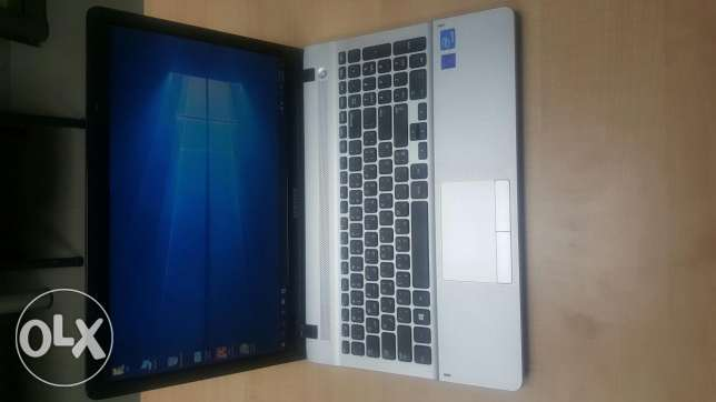 Samsung Laptop like new Windows 10 activated + Office 2016
