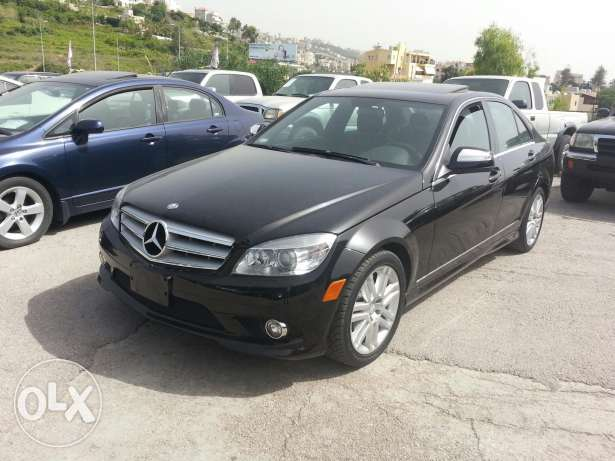 Jbeil Mercedes benz C300 black & black full options brand new clean ca
