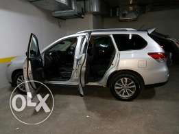 Nissan pathfinder 2013 brand new great condition for sale
