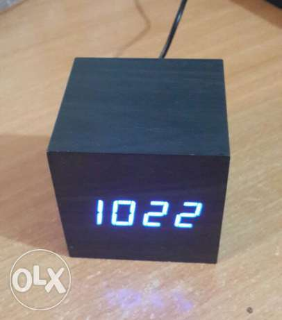 Cube wooden LED Alarm Clock despertador Temperature