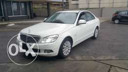 Mercedes C230/50000KM European White on Black no accidents large scree