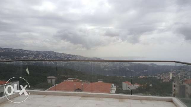 Super Deluxe Apartment in CIL Ballouneh-Keserwan with a Terrace and G