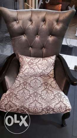 Very comfortable luxury look couch (2 peaces)
