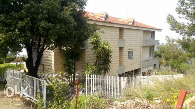 752 m2 villa for sale in Ghazir / Keserwan (non-blocked sea view)