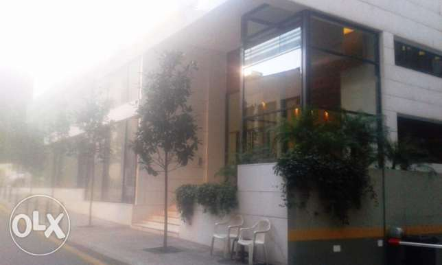 ( HAMRA , BEIRUT ) - Rent / Sale - Office - 60 m2