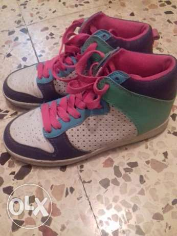 Colored shoes 8$
