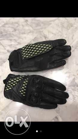 Dainese Bike Gloves , almost new !